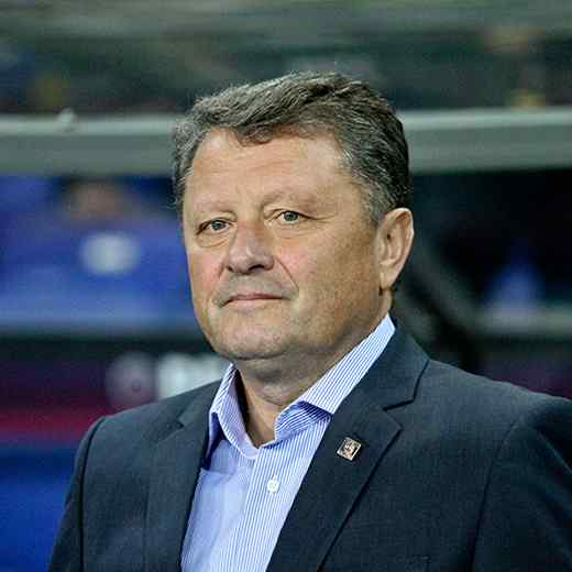 https://asvherzogenaurach.de/wp-content/uploads/2017/10/team_coach_03.jpg